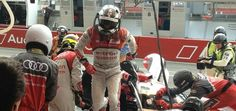 Changing drivers in the #7 car, André Lotterer getting out #Audi