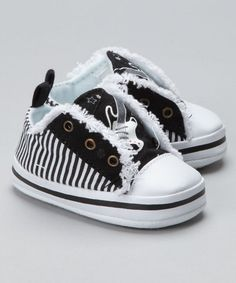 I love these little boys shoes. Finally something cute and new for the the little guys. Black And White Sneakers, My Black, Cute Babies, Baby Kids, Baby Boy, Little Boy Fashion, Kids Fashion, Brown Eyed Girls, Baby Swag