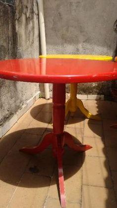 Mesas em Madeira Coloridas