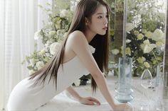 Korean Women, Korean Girl, Lady Gaga, Selfies, Brand Magazine, Vogue Korea, Iu Fashion, Just Girl Things, Kpop Outfits