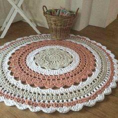 36 Ideas Baby Crochet Mittens Pattern Free For 2019 Crochet Mittens Pattern, Crochet Mandala Pattern, Crochet Doilies, Crochet Patterns, Crochet Carpet, Crochet Decoration, Beige Carpet, Round Rugs, Gaudi