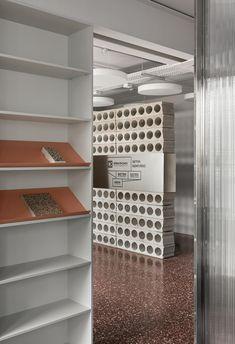 Reeded Glass, Design Café, Lobby Design, Sign Design, Store Design, Modern Interior, Interior Design, Interior Ideas, Terrazzo Flooring
