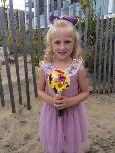 Flower girl Clara