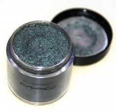 MAC Antique green pigment
