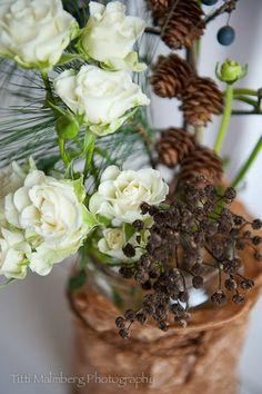 FLOWERS by titti & ingrid - JUL!  © Titti Malmberg/HWIT BLOGG White rose and Rununculus.