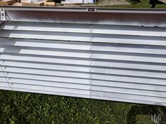 How to paint blinds the fastest and cheapest way Pvc Blinds, Faux Blinds, Wood Blinds, Blinds For Less, How To Make Blinds, Painting Blinds, House Painting, Diy Painting, Pvc Windows