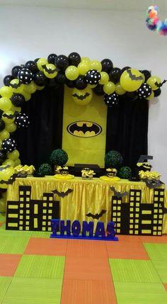 Birthday Batman Theme Build your own custom balloon garland!Build your own custom balloon garland! Lego Batman Party, Batman Birthday, Superhero Birthday Party, Birthday Parties, 4th Birthday, Batman Party Decorations, Birthday Party Decorations, Balloon Garland, Balloons
