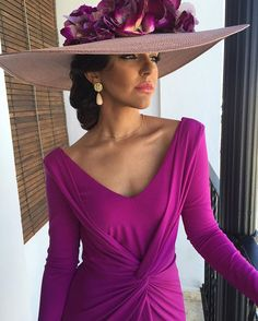 Derby Outfits, Races Fashion, Wedding Hats, Hats For Women, Dress To Impress, Beautiful Dresses, Marie, Glamour, Gowns
