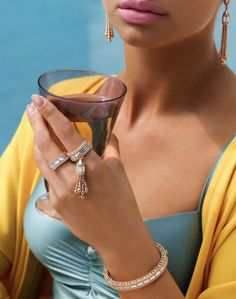 By the pool and wearing Roberto Coin! Roberto Coin, Bridal Jewelry, Diamond Jewelry, 18k Gold, Art Deco, Jewelry Design, Sterling Silver, Collection, Diamond Jewellery