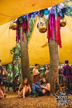 Festival Wedding, Festival Party, Festival Wear, Manly Party Decorations, Festival Decorations, 21 Party, Secret Garden Parties, Out Of The Woods, Festival Camping