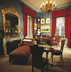 Kaiservilla in Bad Ischl. Imperial mansion, adapted for Emperor Franz Joseph I. and Empress Elisabeth from The Emperor?s study with desk. Impératrice Sissi, Empire House, Kaiser Franz, Vienna Austria, Drawing Room, Abandoned Houses, Vintage Photos, Interior And Exterior, Beautiful Homes