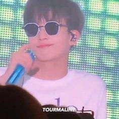 Jeonghan Seventeen, Pledis 17, Crazy Kids, Cute Gif, Bts Video, Cartoon Wallpaper, Boy Groups, The Voice, Gifs