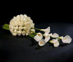 Coffin and urn arrangements Unique Flower Arrangements, Funeral Flower Arrangements, Unique Flowers, Floral Centerpieces, Funeral Bouquet, Funeral Flowers, Wedding Flowers, Sympathy Flowers, Church Flowers