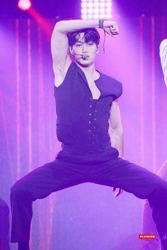 """The Eve"" Choreography♡ Kaisoo, Chanbaek, Kyungsoo, Chanyeol, Korean Men, Asian Men, Kim Minseok, Kpop Exo, Kpop Guys"