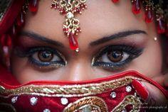 Devanshi Photography - Uw Professionele fotograaf voor Vivaah, Nikaah, Burgerlijk of Traditioneel HuwelijkDevanshi Photography