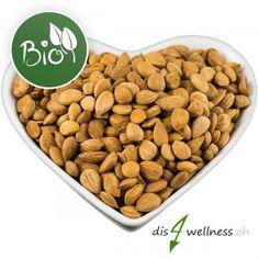 Bittere Aprikosenkerne enthalten viel Vitamin B17 und viele Mineralstoffe, Aminosäuren und andere wichtige Vitamine.    Bittere Aprikosenkerne können wie andere Nüsse roh verzehrt werden. Man kann sie aber auch zum Beispiel in dem Müsli mit beimischen. Vitamin B17, Dog Food Recipes, Wellness, Bitterness, Animal Food, Homemade