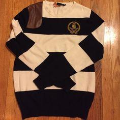 Ralph Lauren sport sweater Has leather saddle patch... Perfect for horse riding! Ralph Lauren Sweaters Crew & Scoop Necks