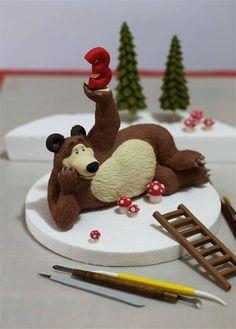 Cake Topper Tutorial, Fondant Tutorial, Cake Toppers, Masha Cake, Masha Et Mishka, Jake Cake, Christmas Cake Decorations, Fondant Animals, Masha And The Bear
