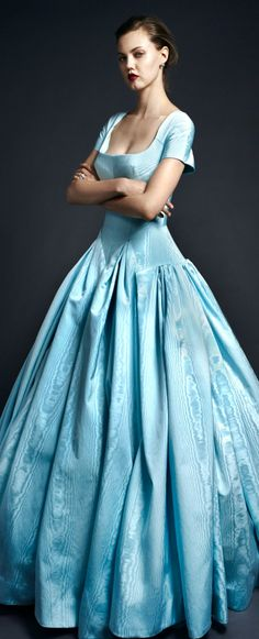 Zac Posen resort 2020 Blue Fashion, Fashion Show, Luxury Fashion, Designer Evening Gowns, Designer Dresses, Haute Couture Fashion, Dress With Boots, Zac Posen, Occasion Dresses