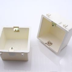 2017 Hot Sale 86*86MM Cassette Universal White Wall Mounting Box for EU/UK Socket Back Box and Wall Touch Switch popular in RU