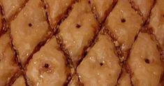 Χρυσαφένιος -τραγανός -βουτυρένιος Μπακλαβάς με ξηρούς καρπούς -σουσάμι -μυρωδικά !!!!  Υλικά για ταψί 35-40 εκ :  1 1/2 πακέτο φύλλο κρο... Vegetables, Food, Essen, Vegetable Recipes, Meals, Yemek, Veggies, Eten
