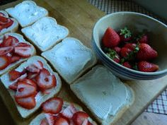 The Wednesday Baker: STRAWBERRY CREAM CHEESE STUFFED FRENCH TOAST