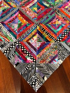 Colorful Quilts, Small Quilts, Half Square Triangle Quilts Pattern, Scrap Quilt Patterns, Rainbow Quilt, String Quilts, Contemporary Quilts, Traditional Quilts, Quilt Making