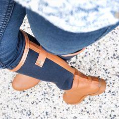 Prête à affronter la pluie !  Coup de cœur pour mes nouvelles bottes en caoutchouc  qui sont hyper confortables et légères (et en  je les trouve élégantes pour des bottes de pluie ! ) Bottes modèle SAFARI marque Be Only    #Snapchat : la-grenadine #boots #rainboots #shoes #fashion #ootd #instafashion #instastyle #blogger #planeteig02 by lagrenadine