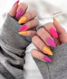 Korean DIY Nail Designs Autumn Pink goose yellow ombre nails Where can we find cheap and beautiful nails Korean girls love these 20 nails designs even at home can do it. Chic Nails, Trendy Nails, Love Nails, My Nails, Fall Nail Designs, Acrylic Nail Designs, Nail Effects, Elegant Nails, Cute Acrylic Nails