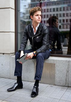 FASHION WEEK DAY ONE (by Martin Hansson) http://lookbook.nu/look/3935660-FASHION-WEEK-DAY-ONE