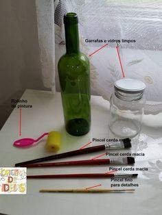 Navegando no Facebook, achei esse PAP de como podemos fazer pintura em vidrocom tinta a base deágua. Na Oficina de Ideias  tem muita co...