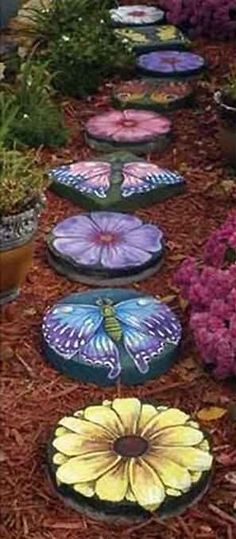 DIY Butterfly Shaped Garden Stepping Stones - Find Fun Art Projects to Do at Home and Arts and Crafts Ideas Stepping Stone Crafts, Painted Stepping Stones, Painted Pavers, Garden Stepping Stones, Painted Rocks, Paver Stones, Hand Painted, Olive Garden, Pink Garden