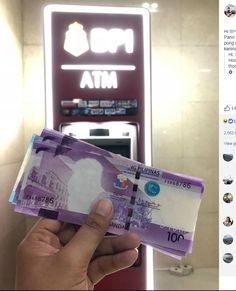 Philippines accidentally leaves former president's face off a batch of currency Philippine Peso, Former President, Philippines, Notes, Facebook, Business, Report Cards, Notebook