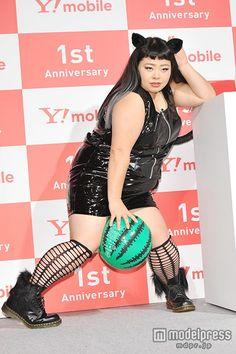 """(画像7/10) 渡辺直美&篠崎愛、""""セクシーな猫""""に変身「攻めてみました」"""