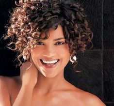 16 Short Hairstyles for Thick Curly Hair - Beauty Thick Curly Hair, Curly Hair Cuts, Wavy Hair, Short Hair Cuts, Curly Hair Styles, Natural Hair Styles, Short Curly Haircuts, Curly Short, Short Curls