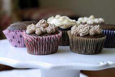 Cupcake chocolat. avec noix de coco au thermomix, une recette très facile avec le thermomix pour vos desserts ou lors du goûter en famille.