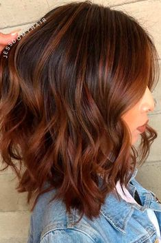 Chestnut Highlights For Layered Lob ? The best medium length hairstyles for long thick hair to emphasize your beauty! : Chestnut Highlights For Layered Lob ? The best medium length hairstyles for long thick hair to emphasize your beauty! Brown Blonde Hair, Brunette Hair, Red Balayage Hair, Long Face Hairstyles, Amazing Hairstyles, Casual Hairstyles, Medium Hairstyles, Latest Hairstyles, Celebrity Hairstyles