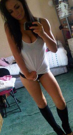 Sexy selfie girl !