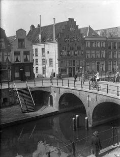 Utrecht op Zondag, Oudegracht - 1940   De Geertebrug: