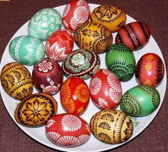 Lemko pysanky by Andryj Maleckij / Анрий Малецкій Diy Ostern, Faberge Eggs, Coloring Easter Eggs, Egg Art, Egg Decorating, Dot Painting, Craft Items, Easter Crafts, Favorite Holiday