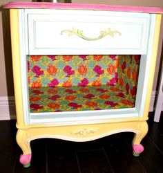 After an easy DIY thrifty night stand makeover