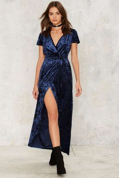 Who's the Gloss Wrap Dress - Navy