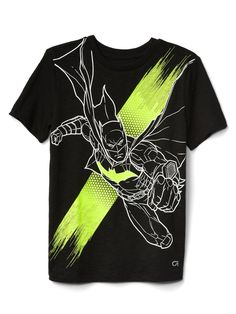Gap t-shirts for boys offer a smart look for casual occasions. Find a Gap polo for boys and an array of t-shirts for boys in a wide selection of colours and designs that are as fashionable as they are comfortable. Boys T Shirts, Cool Shirts, Kids Nightwear, Batman T Shirt, Kids Clothes Boys, Boys Underwear, Boy Outfits, Printed Shirts, Kids Fashion