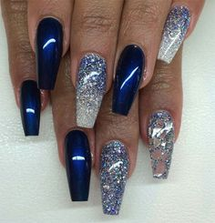 Blue and silver nails, blue chrome nails, blue coffin nails, navy blue nails Blue And Silver Nails, Navy Blue Nails, Blue Coffin Nails, Blue Acrylic Nails, Blue Chrome Nails, Silver Glitter, Blue Glitter Nails, Fancy Nails, Cute Nails