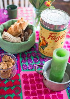22 neliön talvinen minimökki   Meillä kotona Marimekko, Dog Food Recipes, Breakfast, Morning Coffee, Dog Recipes