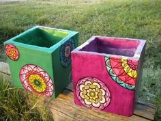 Original ideas for personalizing flower pots Painted Flower Pots, Painted Pots, Clay Pot Crafts, Diy And Crafts, Ceramic Painting, Painting On Wood, Porch Plants, Concrete Crafts, Stone Crafts