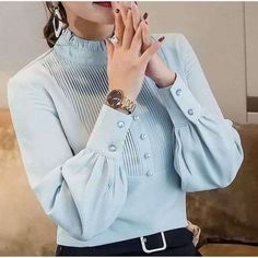 Sleeves Designs For Dresses, Dress Neck Designs, Blouse Designs, Dress Shirts For Women, Blouses For Women, Iranian Women Fashion, Stylish Blouse Design, Fashion Sewing, Trendy Tops