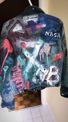 Graffiti Denim Jacket I Made. Customised Denim Jacket, Custom Denim Jackets, Painted Denim Jacket, Custom Clothes, Diy Clothes, Denim Art, Denim Ideas, Cool Outfits, Fashion Outfits