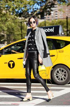 Irene Kim | Carolines Mode Korean Street Fashion, Asian Fashion, Women's Fashion, Irene Kim, Thom Browne, Leather Leggings, Street Chic, Supermodels, Winter Outfits