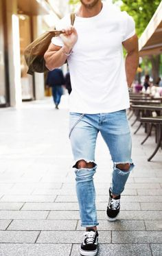 casual Monday // urban men // mens fashion // gym bag // menswear // urban life // city boys // mens accessories // stylish //